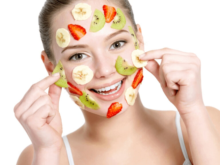 5 Best Ways To Use Banana Peel To Treat Acne & Pimples